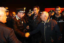 SCROCCARELLO DELLA POLIZIA E DESIDERI DEI CARABINIERI PROVANO A TRATTARE CON I GORESI<br /> PROFUGHI A GORINO