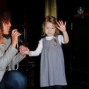 """NLD/Amsterdam/20120312 - Boekpresentatie Heleen van Royen """" Verboden Vruchten"""", Livia Schumacher met zangeres"""