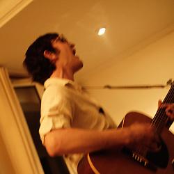 Jeremy Warmsley showcasing at a private apartment show, for the Soiree de Poche 9 bis. Paris, France. 29th April 2009. Photo: Antoine Doyen