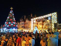 Natal Luz em Gramado. Igreja de São Pedro com decoração de natal. Foto: Marcos Nagelstein