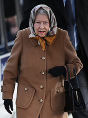 The Queen arrives at Kings Lynn Station for Christmas - 20 Dec 2018