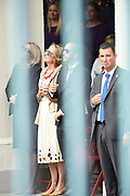 Op Prinsjesdag 2018 spreekt het staatshoofd in de Staten-Generaal van het Koninkrijk der Nederlanden in verenigde vergadering bijeen de troonrede uit. Daarin geeft de regering aan wat het regeringsbeleid zal zijn voor het komende jaar. <br /> <br /> On State Opening of Parlement (Prinsjesdag) 2018, the head of state in the States-General of the Kingdom of the Netherlands meets in a joint meeting the speech of the throne. In it, the government indicates what the government policy will be for the coming year.<br /> <br /> op de foto / On the photo: De moeder van koningin Maxima, Maria del Carmen Cerruti, en haar broer Juan Zorreguieta Lopez bij Paleis Noordeinde tijdens Prinsjesdag / The mother of Queen Maxima, Maria del Carmen Cerruti, and her brother Juan Zorreguieta Lopez at Noordeinde Palace during Prinsjesdag