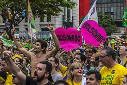 September 30, 2018 - Sao Paulo, Brazil - View of a demonstration in support of Brazilian right-wing presidential candidate Jair Bolsonaro at Paulista Avenue, in Sao Paulo, Brazil on September 30, 2018. (Credit Image: © Cris Faga/NurPhoto/ZUMA Press)