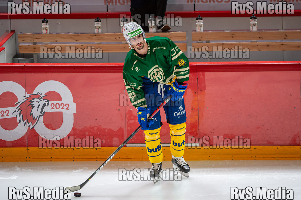 LAUSANNE, SWITZERLAND - SEPTEMBER 24: Marc Wieser #65 of HC Davos warms up prior the Swiss National League game between Lausanne HC and HC Davos at Vaudoise Arena on September 24, 2021 in Lausanne, Switzerland. (Photo by Robert Hradil/RvS.Media)