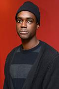 Presentatie van de volledig zwarte cast in Moliere's klassieke theatervoorstelling De Vrek in Bezoekerscentrum De Nederlandsche Bank .<br /> <br /> Op de foto:  Sergio Hasselbaink