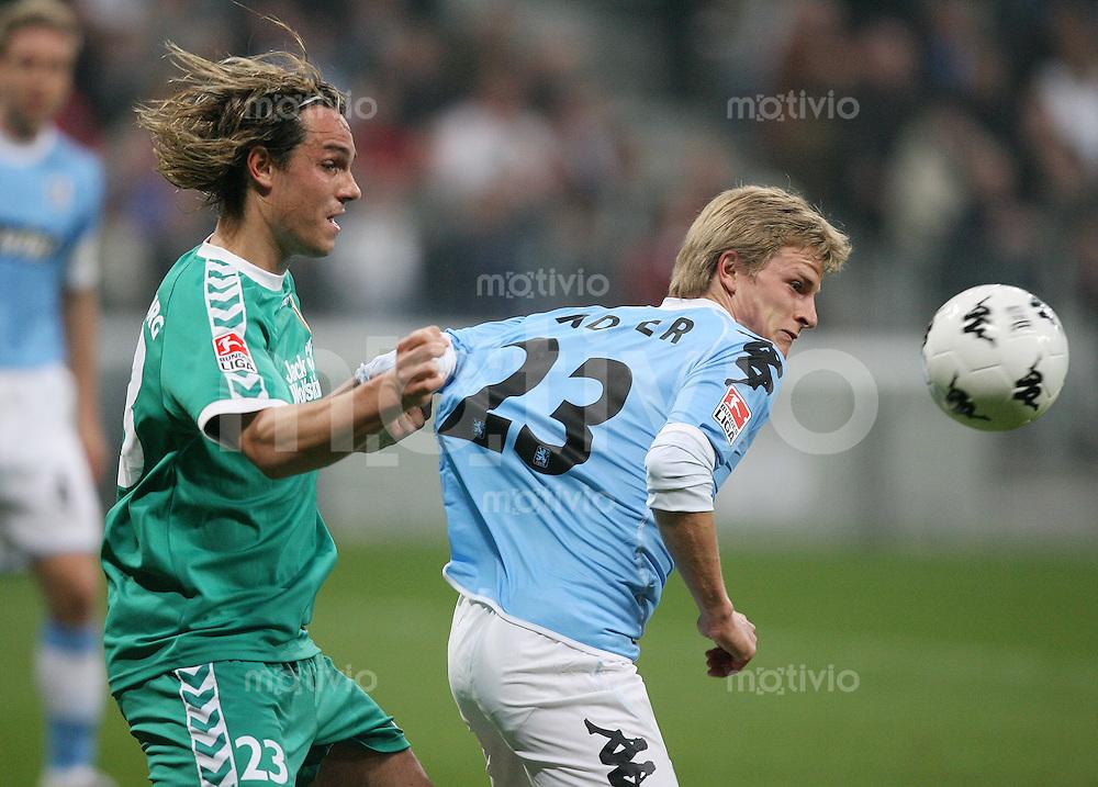 Fussball 2. Bundesliga Saison 2006/2007    26. Spieltag 1860 Muenchen 0-3 FC Augsburg Felix Luz (FC A,li) gegen Nicky Adler (1860)