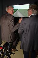 H.G.N. (Harry) Boon, lid dagelijks bestuur van Wetterskip Fryslan, opende de nieuwe permanente dijkexpositie 'Kijk over de dijk' in het Natuurmuseum Ameland. Bezoekers van het centrum kunnen op een bijzondere manier het belang van een goede zeekering ervaren. De expositie is mede naar aanleiding van het dijkverbeteringsproject op Ameland in samenwerking met Wetterskip Fryslan tot stand gekomen. Na de openingshandeling kreeg Boon een rondleiding door het natuurcentrum door directeur J.T. (Joop) de Jong.