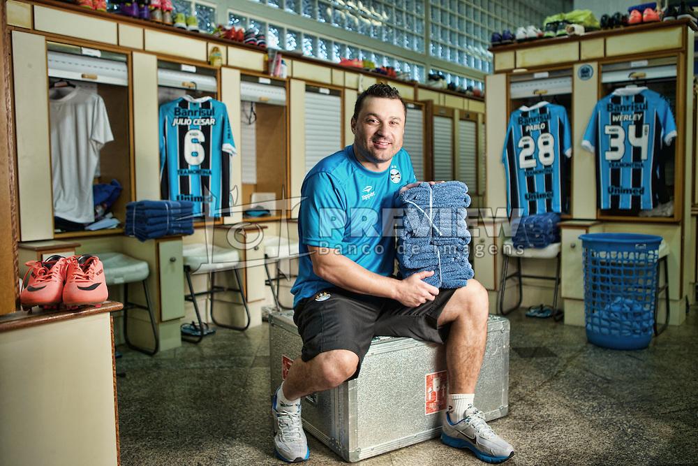 O roupeiro do Grêmio, Marco Aurélio Severino - o Alemão, no vestiário do clube no estádio Olímpico. FOTO: Jefferson Bernardes/Preview.com