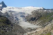 Glacier (Schlatenkees, Großvenediger) High Tauern National Park (Nationalpark Hohe Tauern), Central Eastern Alps, Austria | Schlatenkees ein Gletscher am Großvenediger in der Venedigergruppe ist mit etwas mehr als 8 km Länge der größte Gletscher Österreichs und der längste der Ostalpen. Nationalpark Hohe Tauern, Osttirol in Österreich