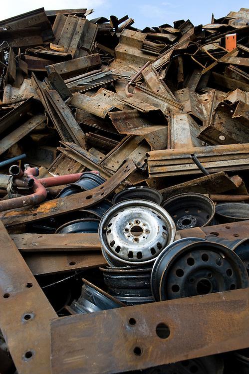 Nederland, Utrecht, 21 okt  2009.Recyclingbedrijf van Doorn.Oud ijzer..Foto (c) Michiel Wijnbergh