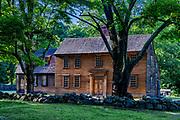 Historic Hartwell Tavern on the Battle Road Trail, Minute Man National Historical Park, Massachusetts, USA.