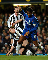 Photo: Ed Godden.<br /> Chelsea v Newcastle United. The FA Cup. 22/03/2006.<br /> Scott Parker (L) and Didier Drogba (Chelsea, left)