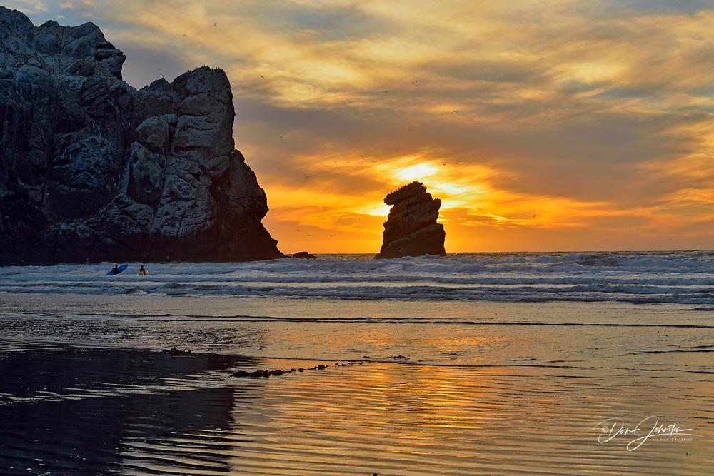Morro Rock and beach at sunset, Morro Bay, California, USA