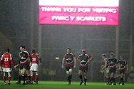 Heineken cup,round four, Scarlets v Ulster at Parc y Scarlets in Llanelli on Friday 12th December 2008. The players leave the field after the match ends in a 16-16 draw.