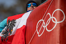 18-02-2018 KOR: Olympic Games day 9, Pyeongchang<br /> Alpine Skiing Men's Giant Slalom at Yongpyong Alpine Centre / Austria fan support flag