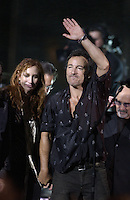 Bruce Springsteen and Patti Scialfa - MTV Video Music Awards 2002 - American Museum of Natural History