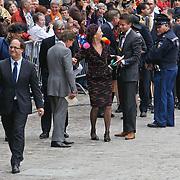 NLD/Den Haag/20100921 - Prinsjesdag 2010, partner Frans Molenaar zit vast tussen de stenen van het Binnenhof