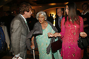 Nicky Haslam, The Rajmata of Jaipur and Edite. Treasures From The Gem Palace, Private view of gem stones created by a family of Indian court jewellers from Jaipur (the Kasliwals). Somerset House, London, WC2, 28 September 2006. www.somerset-house.org.uk-DO NOT ARCHIVE-© Copyright Photograph by Dafydd Jones 66 Stockwell Park Rd. London SW9 0DA Tel 020 7733 0108 www.dafjones.com