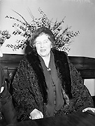 20/02/1958<br /> 02/20/1958<br /> 20 February 1958<br /> Mrs. Mirabel D. Topham, owner of Aintree Racecourse, Aintree, Liverpool, England, in Dublin for a visit at a press conference at the Irish Hospitals Trust, Ballsbridge, Dublin.