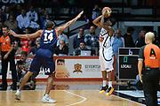 DESCRIZIONE : Caserta Lega serie A 2013/14  Pasta Reggia Caserta Acea Virtus Roma<br /> GIOCATORE : stephon hannah<br /> CATEGORIA : tiro tre punti sequenza<br /> SQUADRA : Pasta Reggia Caserta<br /> EVENTO : Campionato Lega Serie A 2013-2014<br /> GARA : Pasta Reggia Caserta Acea Virtus Roma<br /> DATA : 10/11/2013<br /> SPORT : Pallacanestro<br /> AUTORE : Agenzia Ciamillo-Castoria/GiulioCiamillo<br /> Galleria : Lega Seria A 2013-2014<br /> Fotonotizia : Caserta  Lega serie A 2013/14 Pasta Reggia Caserta Acea Virtus Roma<br /> Predefinita :