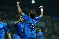 PARMA, 13-10-04<br />Qualificazioni Mondiali<br />Italia Bielorussia<br />nella  foto Totti e Gilardino esultano dopo il gol del 4-2<br />Foto Snapshot / Graffiti