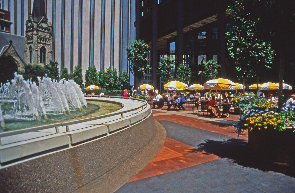 USX Tower Plaza, Fountain, Lunchtime, Pittsburgh, PA
