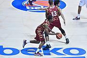 DESCRIZIONE : Bologna Lega A 2015-16 Obiettivo Lavoro Virtus Bologna - Umana Reyer Venezia<br /> GIOCATORE : Mike Green<br /> CATEGORIA : Palleggio<br /> SQUADRA : Umana Reyer Venezia<br /> EVENTO : Campionato Lega A 2015-2016<br /> GARA : Obiettivo Lavoro Virtus Bologna - Umana Reyer Venezia<br /> DATA : 04/10/2015<br /> SPORT : Pallacanestro<br /> AUTORE : Agenzia Ciamillo-Castoria/G.Ciamillo<br /> <br /> Galleria : Lega Basket A 2015-2016 <br /> Fotonotizia: Bologna Lega A 2015-16 Obiettivo Lavoro Virtus Bologna - Umana Reyer Venezia