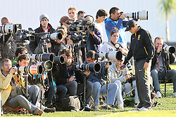 Fotógrafos da imprensa que cobrem a Seleção Brasileira de Futebol, durante treino no C T do Corinthians, em São Paulo. FOTO: Jefferson Bernardes/Preview.com