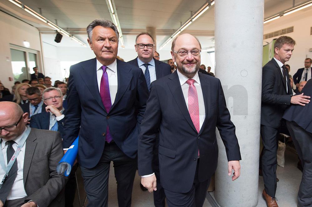 13 JUN 2017, BERLIN/GERMANY:<br /> Michael Frenzel (L), Praesident des Wirtschaftsforums der SPD, und Martin Schulz (R). SPD Parteivorsitzender und Kanzlerkandidat, Jahreskonferenz, Wirtschaftsforum der SPD, Humboldt-Box<br /> IMAGE: 20170613-01-209