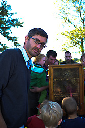 © Copyright licensed to London NewLouis Theroux, admiring the bees at Parliament Hill, Hamsptead Heath, London. The Annual Heath Heritage Festival hosts the annual Hampstead Heath Conker Competition. Representatives of the RSPB, National Trust, volunteer group Heath Hands, local beekeepers and woodworkers were in attendance.