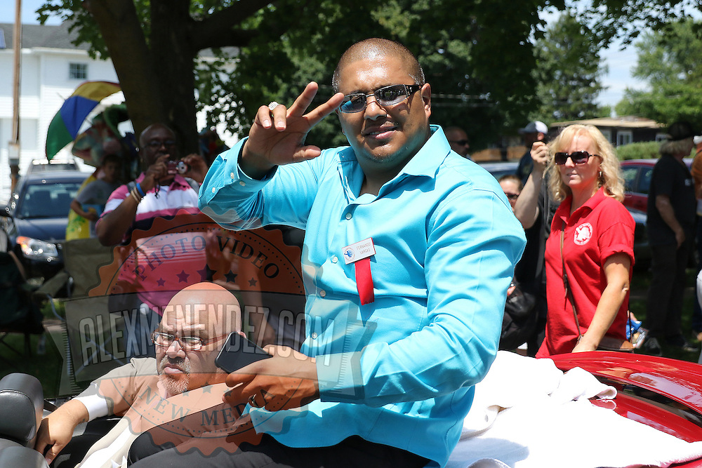 CANASTOTA, NY - JUNE 14: Boxer Fernando Vargas poses while riding in a car during the parade at the International Boxing Hall of Fame induction Weekend of Champions events on June 14, 2015 in Canastota, New York. (Photo by Alex Menendez/Getty Images) *** Local Caption *** Fernando Vargas