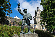 Robert Roy MacGregor (1671-1734) was a Scottish outlaw, who later became a folk hero. Statue in Stirling, Scotland, United Kingdom, Europe.