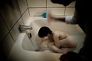 Disfrutando de su baño.