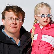 AUD/Lech/20110219 - Fotosessie Nederlandse Koninklijke Familie 2011 op wintersport in Lech, Friso en Luana