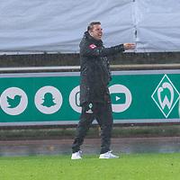 07.10.2020, wohninvest Weserstadion Platz 11, Bremen, GER, FSP SV WERDER BREMEN  vs 1. FC St. Pauli<br /> <br /> im Bild / picture shows <br /> <br /> <br /> Florian Kohfeldt (Trainer SV Werder Bremen)<br /> Coachingzone / Seitenlinie, <br /> Gestik, Mimik, Emotionen<br /> <br /> Foto © nordphoto / Kokenge