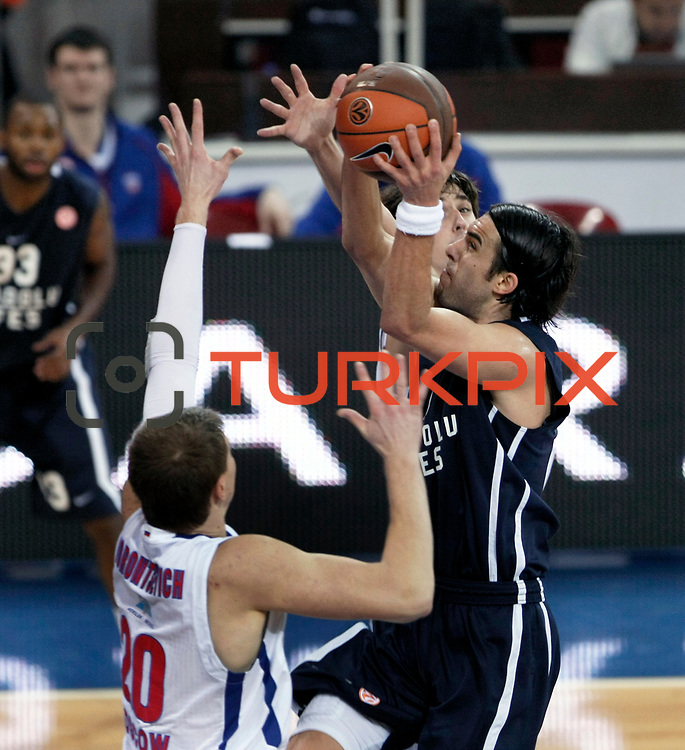 Anadolu Efes's Sasha Vujacıc (R) during their Euroleague Top 16 basketball match Anadolu Efes between CSKA Moscow at the Abdi Ipekci Arena in Istanbul at Turkey on Thursday, March, 01, 2012. Photo by TURKPIX