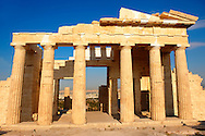 The Propylaea, The monumental gateway to the Acropolis, Athens, Greece .<br /> <br /> If you prefer to buy from our ALAMY PHOTO LIBRARY  Collection visit : https://www.alamy.com/portfolio/paul-williams-funkystock/acropolis-athens.html<br /> <br /> Visit our ANCIENT WORLD PHOTO COLLECTIONS for more photos to download or buy as wall art prints https://funkystock.photoshelter.com/gallery-collection/Ancient-World-Art-Antiquities-Historic-Sites-Pictures-Images-of/C00006u26yqSkDOM