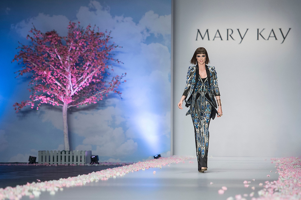 Models during the Mary Kay Dream Beautiful 2014 contest at the Shaw Studios on 16 October 2014 in Hong Kong. Photo by Aitor Alcalde / studioEAST.