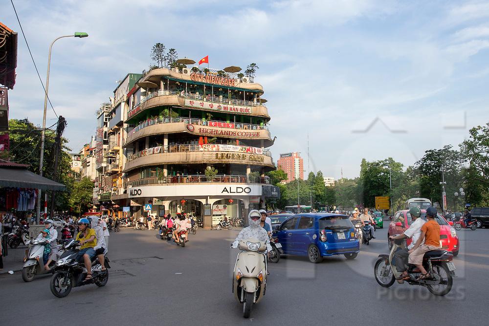 Roundabout north of Hoan Kiem lake, facing Legend beer building. Hanoi, Vietnam, Southeast Asia