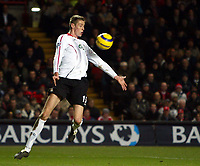 Photo: Chris Ratcliffe.<br /> Charlton Athletic v Liverpool. The Barclays Premiership. 08/02/2006.<br /> Peter Crouch tries to control the ball in the area