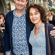 NLD/Amsterdam/20170823 - Premiere Grootste Zwanenmeer ter wereld, Carel Kraayenhof en partner Thirza Lourens
