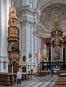 Nawa główna Kościóła Świętych Apostołów Piotra i Pawła – zabytkowego kościoła rzymskokatolickiego w Krakowie