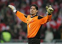 Fotball<br /> Play off VM 2006<br /> Sveits v Tyrkia<br /> 12.11.2005<br /> Foto: DPPI/Digitalsport<br /> NORWAY ONLY<br /> <br /> PASCAL ZUBERBUHLER (SWI)