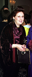 Fashion writer SUZY MENKES, at a party in London on 27th January 2000.<br /> OAL 6 WOLO