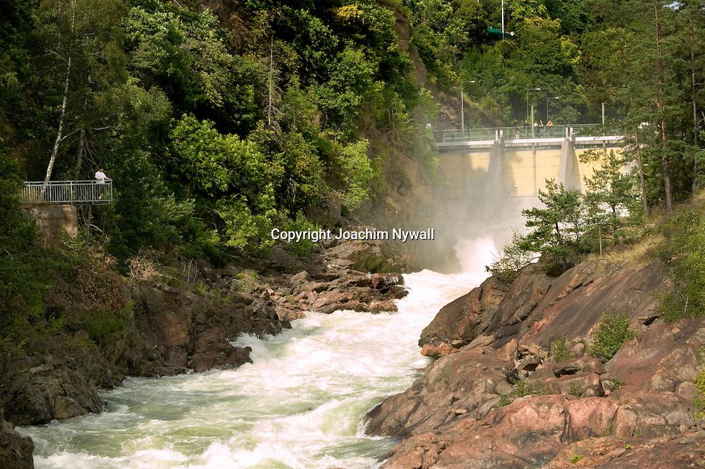 Trollhättan 2012 07 21 Trollhättefallen Fallens Dagar<br /> Fallen i Trollhättan <br /> Vattenfall vattenkraft förnyelsebar energi el turister turistmål sommar vatten<br /> <br /> <br /> ----<br /> FOTO : JOACHIM NYWALL KOD 0708840825_1<br /> COPYRIGHT JOACHIM NYWALL<br /> <br /> ***BETALBILD***<br /> Redovisas till <br /> NYWALL MEDIA AB<br /> Strandgatan 30<br /> 461 31 Trollhättan<br /> Prislista enl BLF , om inget annat avtalas.
