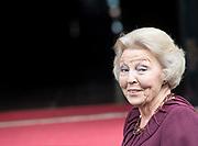 Koningspaar biedt Corps Diplomatique diner aan in het Paleis op de dam /// Royal Couple offers Corps Diplomatique dinner in the Palace on the dam<br /> <br /> Op de foto / On the photo:  Prinses Beatrix / Princess Beatrix