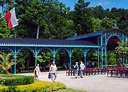 Otwarta hala spacerowa w Parku Zdrojowym tzw. Teatr pod Blachą, Kudowa-Zdrój, Polska<br /> Opened for pedestrians hall in the Spa Park so-called Teatr pod Blachą, Kudowa-Zdrój, Poland