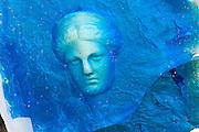 Glasskulptur, Ariane von Naxos von Raymond Martinez, 2010, Die Gläsernen Gärten von Frauenau, Bayerischer Wald, Bayern, Deutschland | glass museum Frauenau, Bavarian Forest, Bavaria, Germany