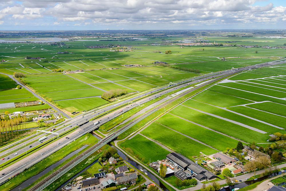 Nederland, Zuid-Holland, Hoogmade, 28-04-2017; infrabundel, Hogesnelheidslijn HSL loopt parallel aan autosnelweg A4.<br /> Highspeed train tracks and motorway A4.<br /> luchtfoto (toeslag op standard tarieven);<br /> aerial photo (additional fee required);<br /> copyright foto/photo Siebe Swart