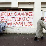 Nederland, Den Haag, 5 februari 2009 20090205 Foto: David Rozing .Krediet crisis, recessie, sluiting winkel..Foto: David Rozing